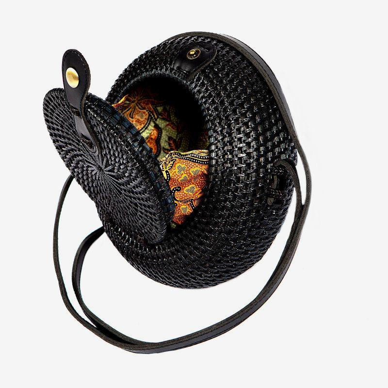 Τσάντα Ρατάν Μαύρη (Μαύρο Λουράκι) 20x20x8 εκ.